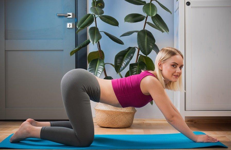 Yogapopje uit West-Vlaanderen,Belgie